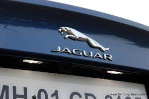 jaguar-xe-sedan-review-53