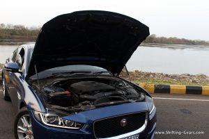 jaguar-xe-sedan-review-57
