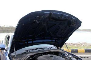jaguar-xe-sedan-review-59