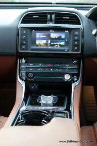 jaguar-xe-sedan-review-73