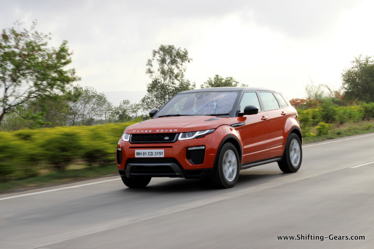 range rover evoque facelift test drive review shifting gears. Black Bedroom Furniture Sets. Home Design Ideas