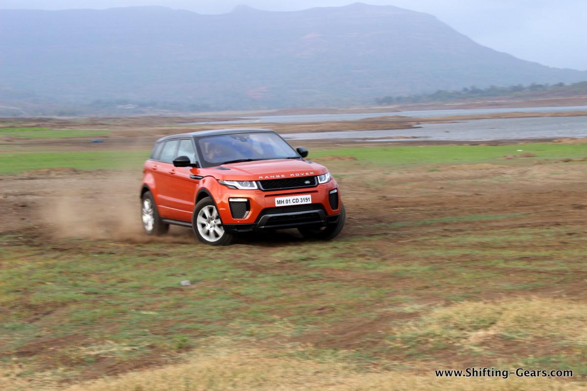 range-rover-evoque-facelift-review-03