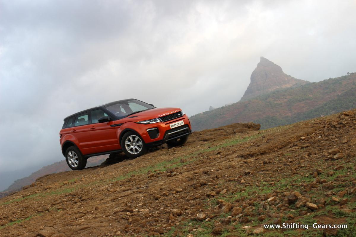 range-rover-evoque-facelift-review-12