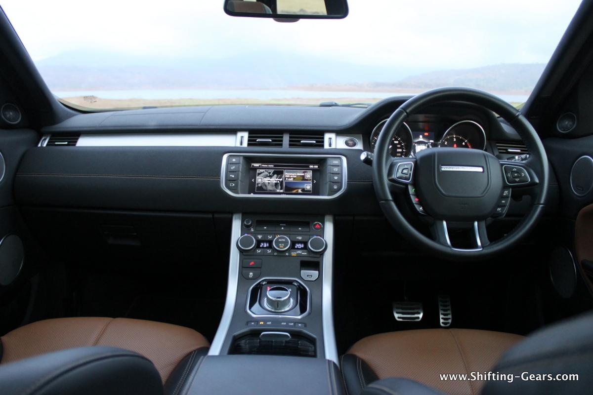 range-rover-evoque-facelift-review-64