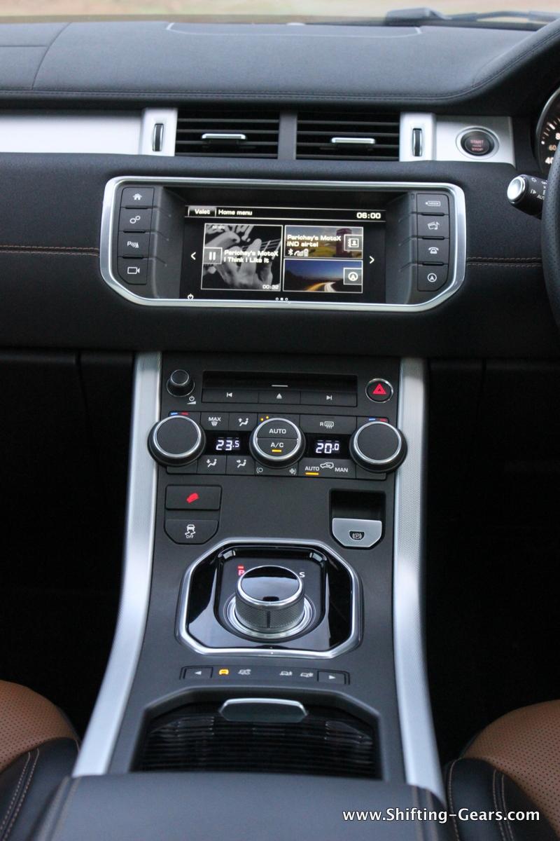 range-rover-evoque-facelift-review-76