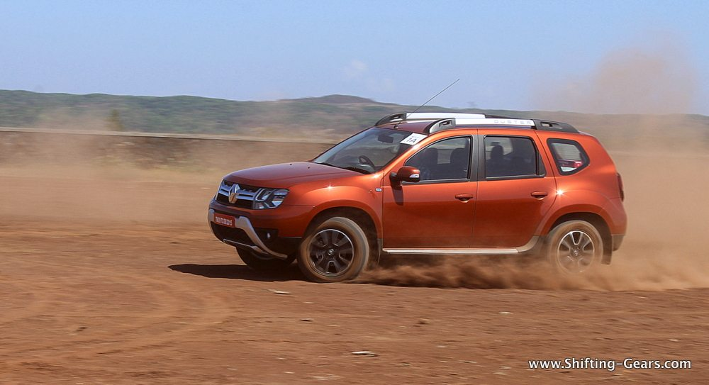 renault duster facelift test drive review shifting gears. Black Bedroom Furniture Sets. Home Design Ideas