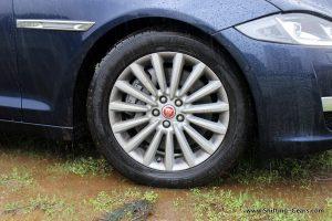 2016-jaguar-xj-l-review-31