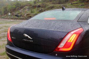 2016-jaguar-xj-l-review-45
