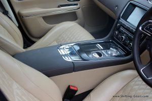 2016-jaguar-xj-l-review-67