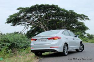 2016-hyundai-elantra-india-review-38