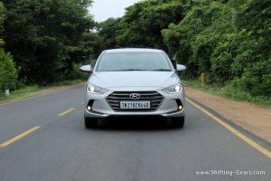 2016-hyundai-elantra-india-review-39