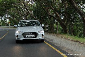 2016-hyundai-elantra-india-review-44