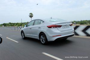 2016-hyundai-elantra-india-review-50