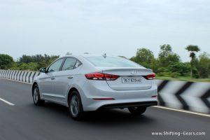 2016-hyundai-elantra-india-review-52