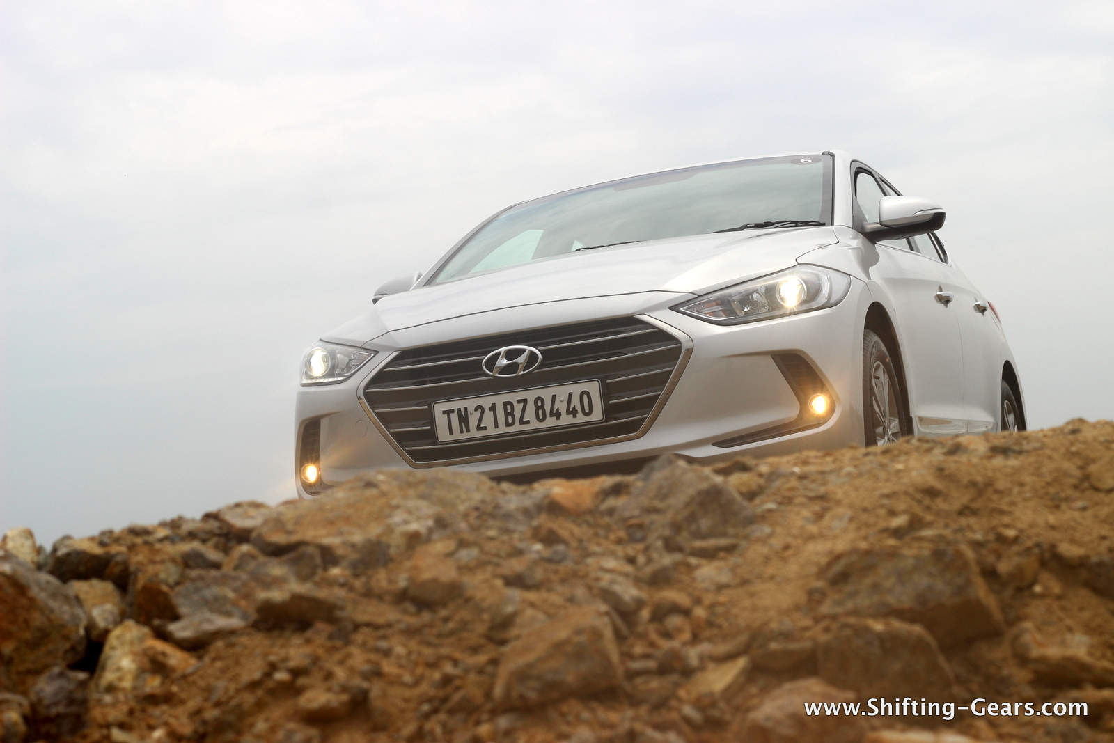 2016-hyundai-elantra-india-review-63
