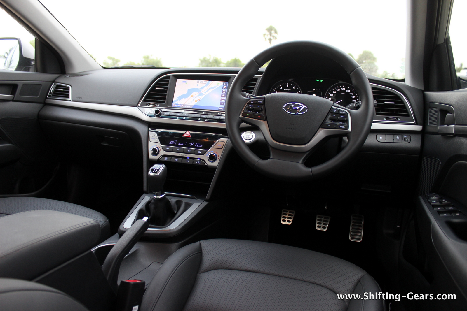 2016-hyundai-elantra-india-review-75