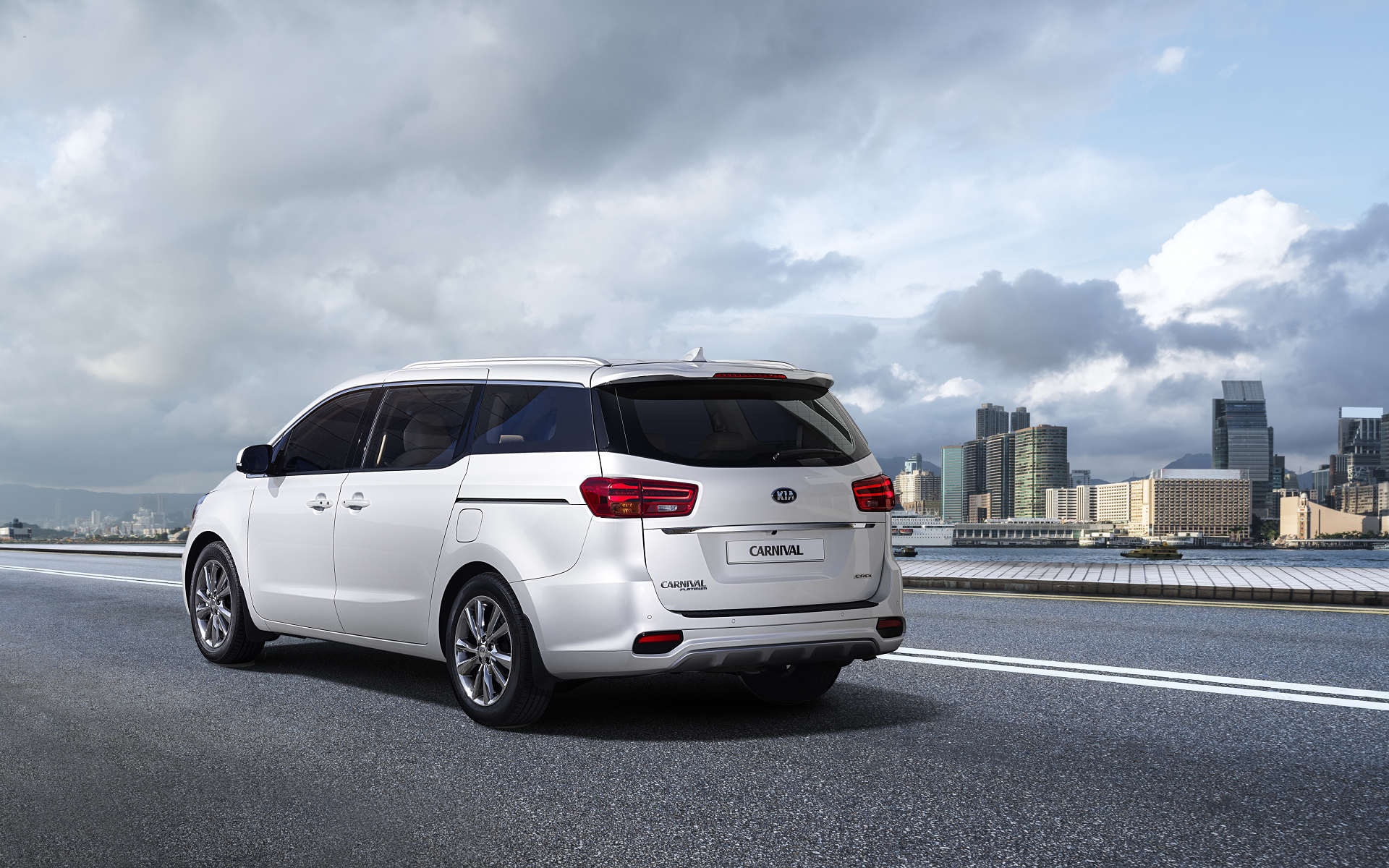 Kia Carnival Mpv To Be Positioned Above Toyota Innova
