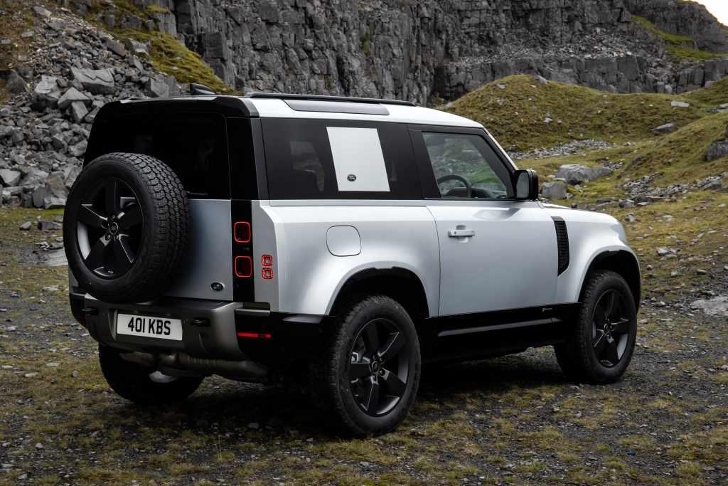 2021 Land Rover Defender Plug-In Hybrid, 6-Cylinder Diesel ...