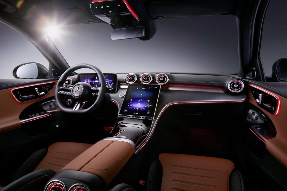 Mercedes-Benz C-Class L  - Interior