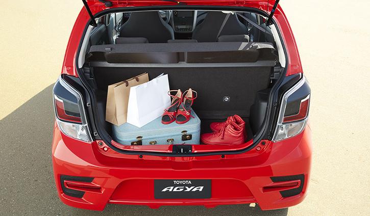 Toyota Agya hatchback storage