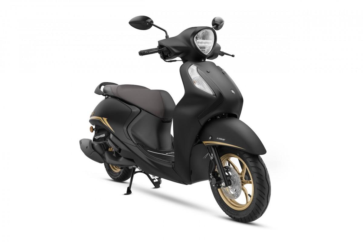 Yamaha Fascino 125 Fi Hybrid - Black