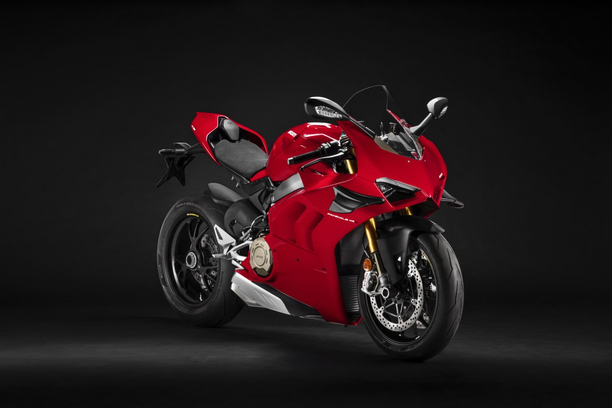 Ducati Panigale V4 - Side view 2